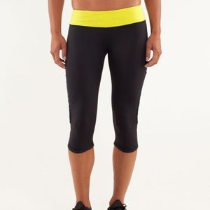 Lululemon Run: Fast And Free Crop Mini Squiggle 6